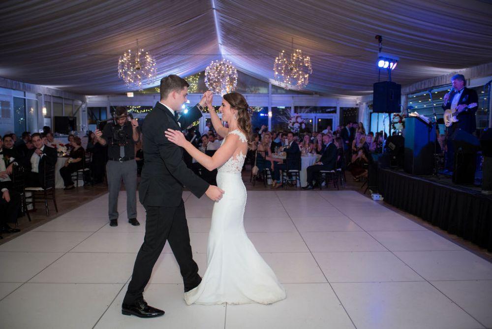 sarah chris galleria marchetti chicago, il wedding first dance
