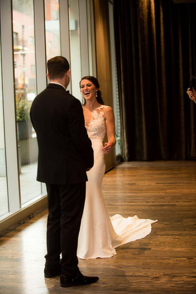 sarah chris galleria marchetti chicago, il wedding bride groom first look