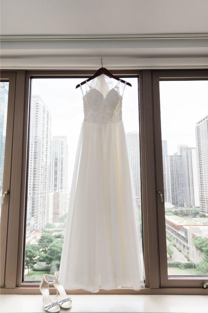 janet trent the mid-america club chicago, il wedding dress