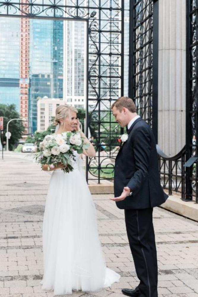 janet trent the mid-america club chicago, il wedding first look