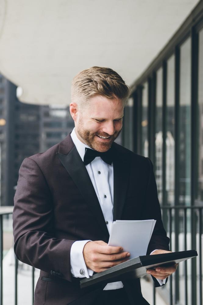 alison eric bridgeport art center chicago, il wedding groom getting ready