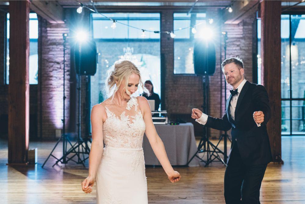 alison eric bridgeport art center chicago, il wedding first dance