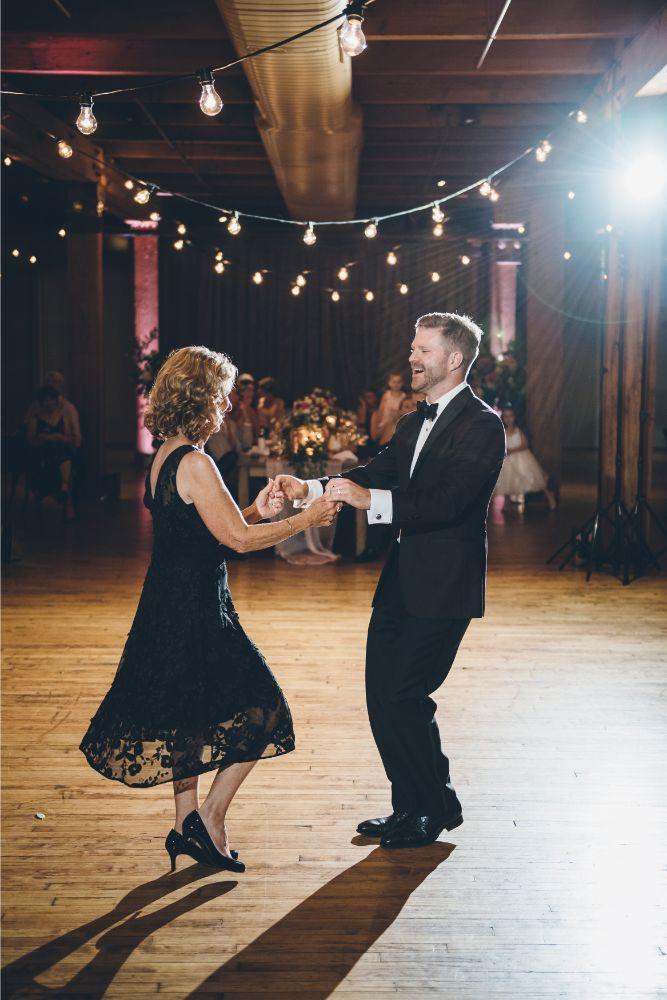 alison eric bridgeport art center chicago, il wedding mother son dance
