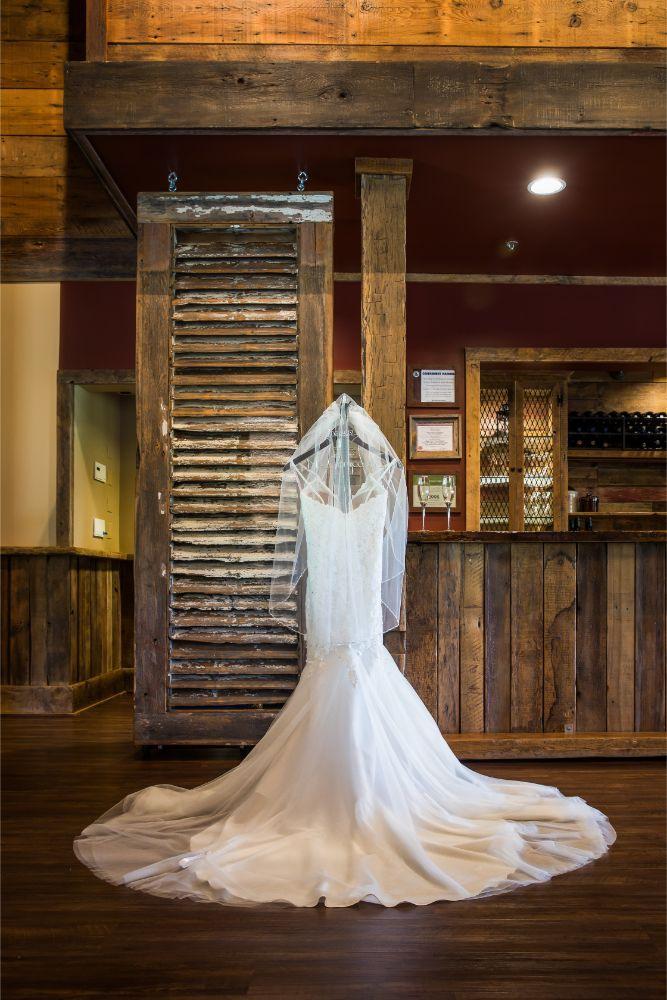 lindsay demetrius fisherman's inn chicago il wedding dress