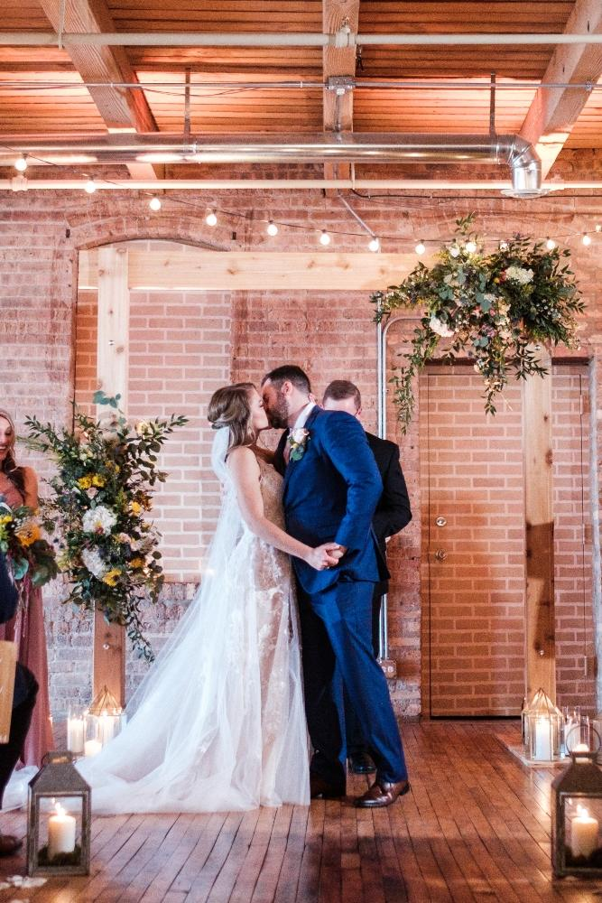 local love kaitlyn tom lacuna lofts chicago, il wedding ceremony first kiss