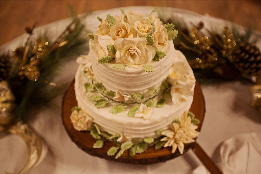 meaghann travis cog hill golf & country club chicago, il wedding cake