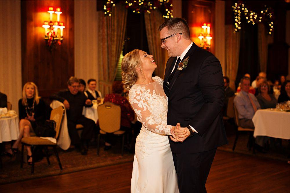 meaghann travis cog hill golf & country club chicago, il wedding bride and groom first dance