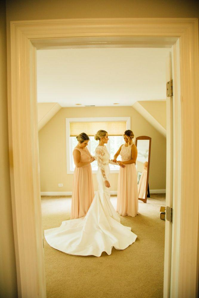 kelly nick local love the beverly country club chicago, il wedding bride getting ready