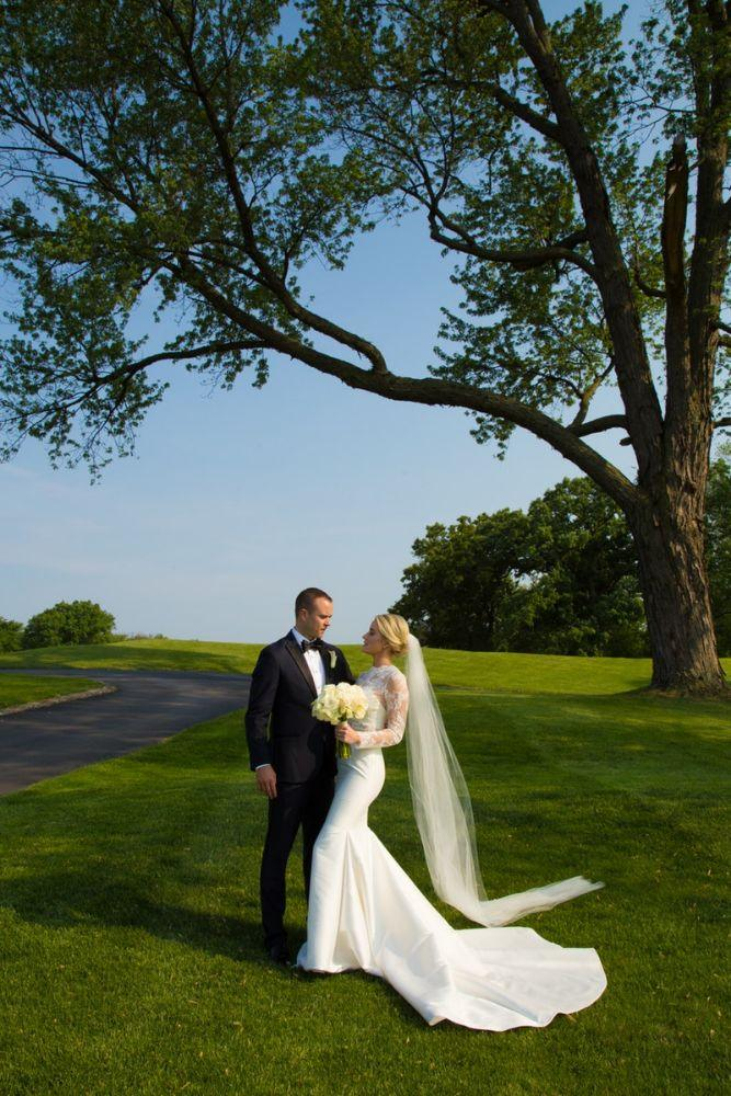 kelly nick local love the beverly country club chicago, il wedding bride and groom portraits