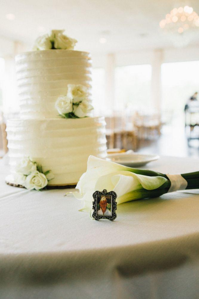 kelly nick local love the beverly country club chicago, il wedding cake