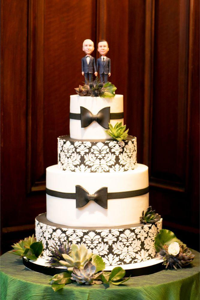 jd mike salvatores chicago, il wedding cake with custom topper