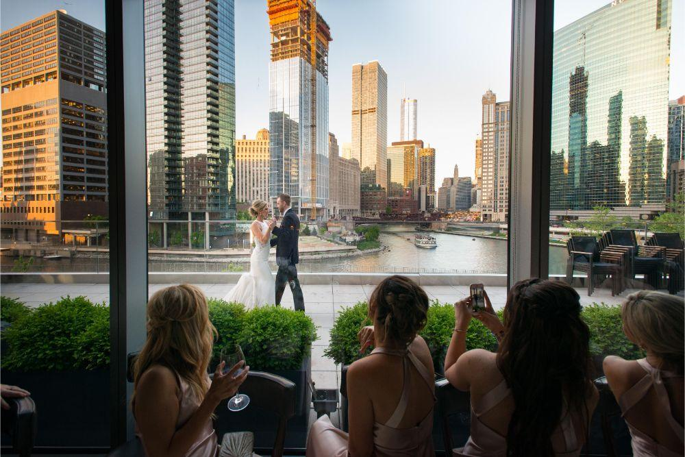 jana matt gibsons steakhouse chicago, il wedding first dance bride and groom
