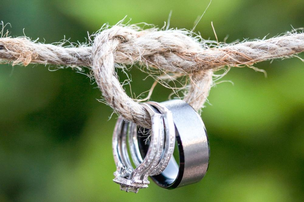 positive mindset therapist blog twa photographic artists wedding rings on twine