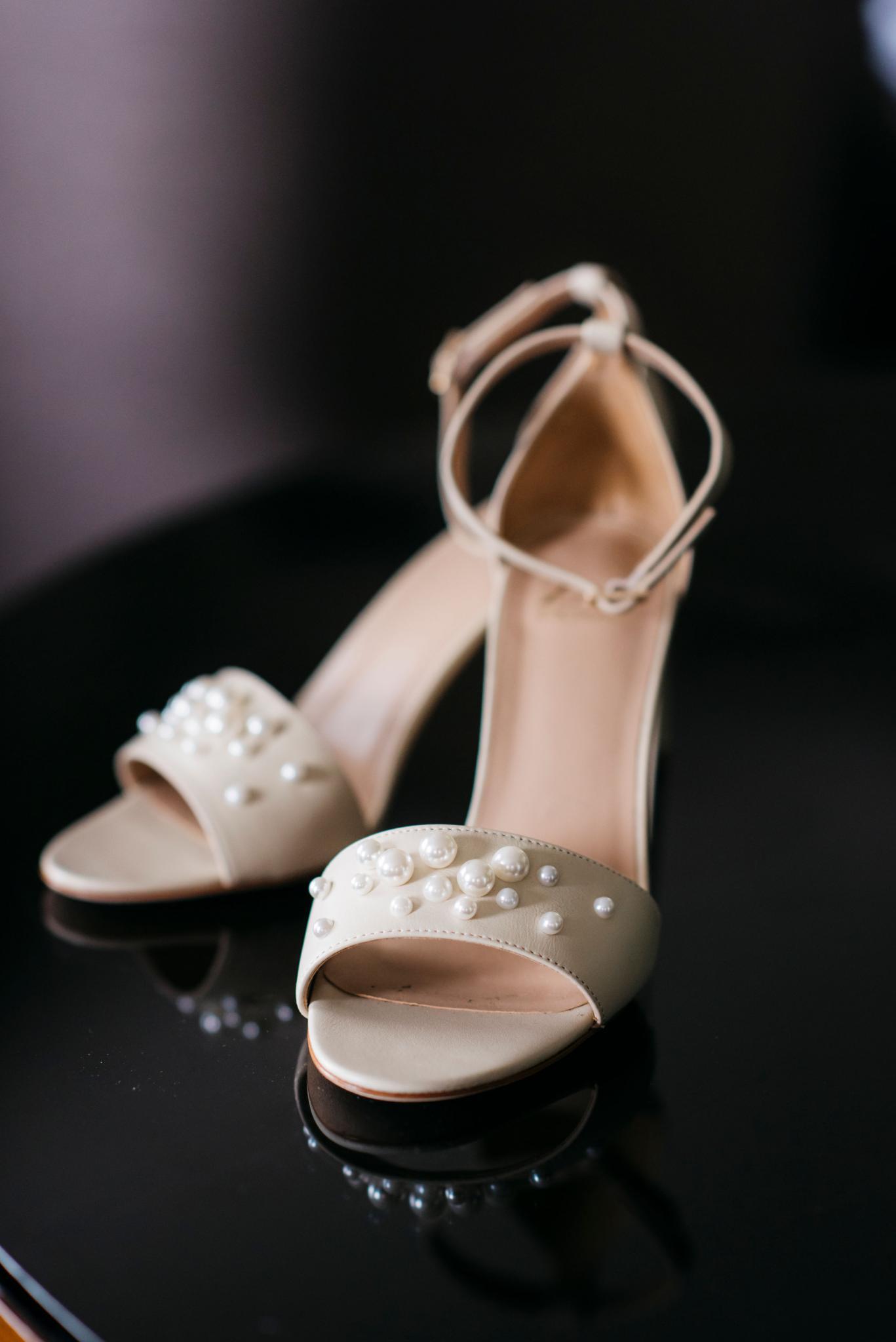 annie tommy venue SIX10 chicago, il wedding bridal shoes