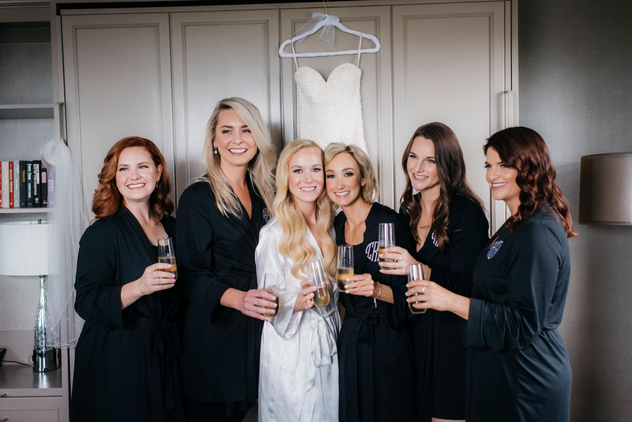 annie tommy venue SIX10 chicago, il wedding bride and bridesmaids getting ready
