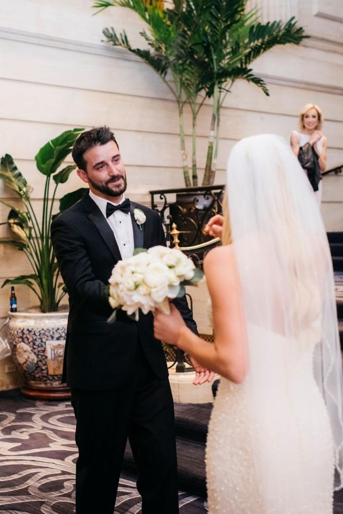 annie tommy venue SIX10 chicago, il wedding first look
