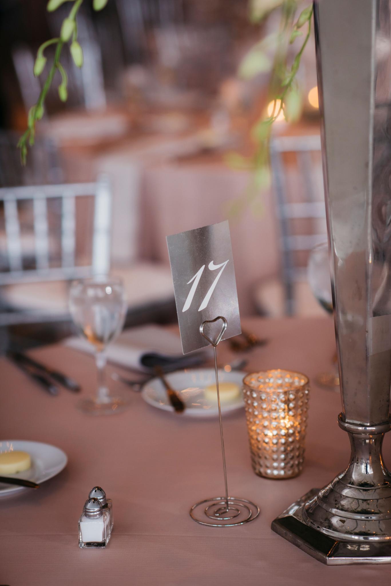 annie tommy venue SIX10 chicago, il wedding reception details