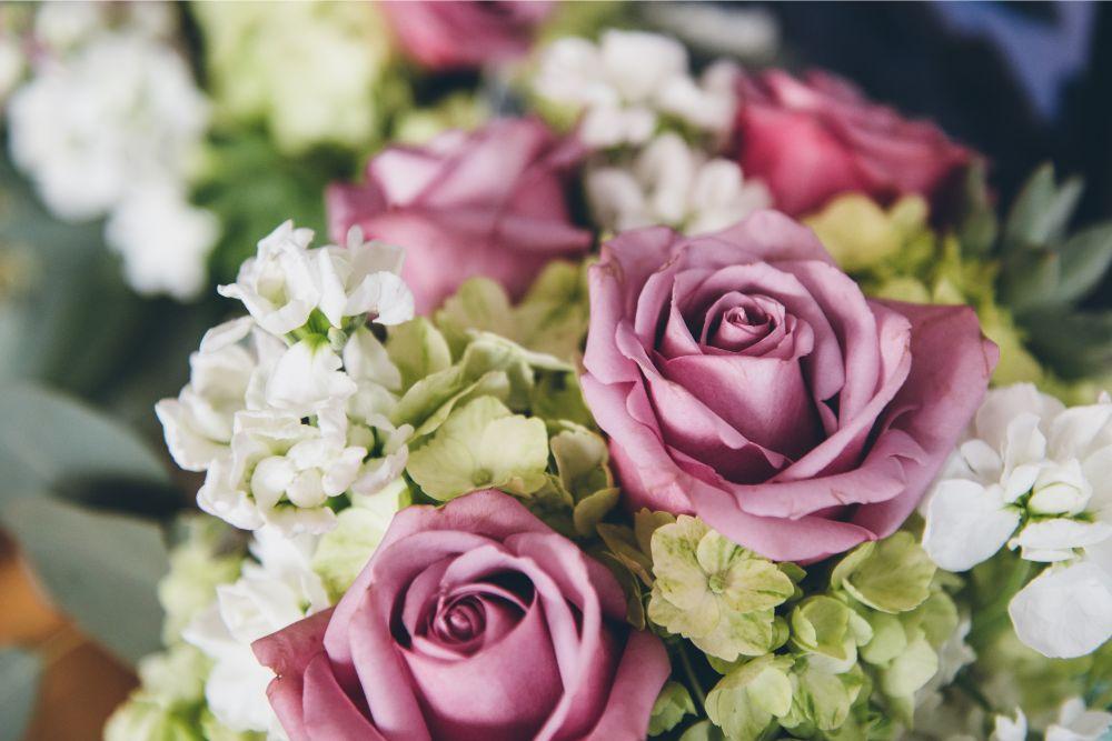 kelly and alex local love skyline loft chicago, il wedding bridal bouquet