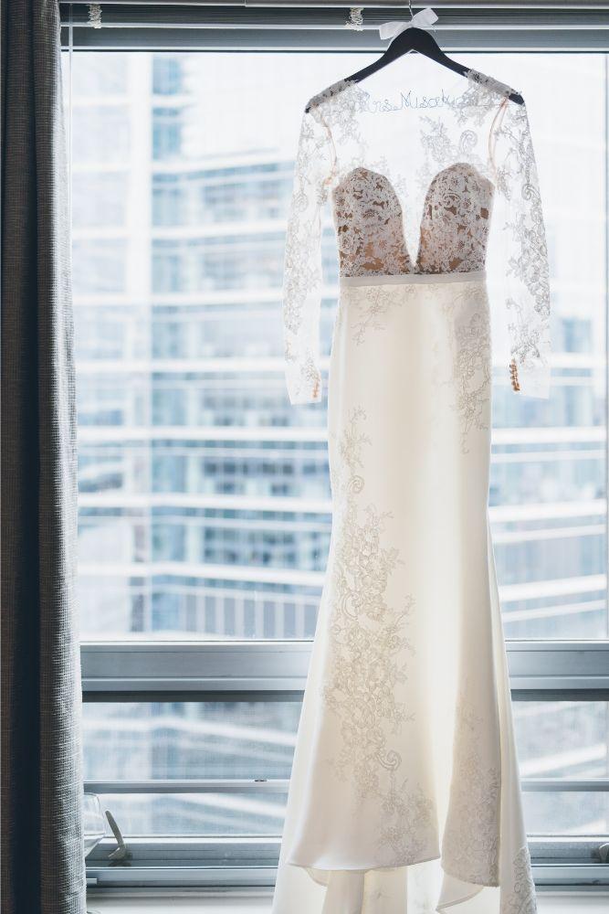 kelly alex local love skyline loft chicago, il wedding gown