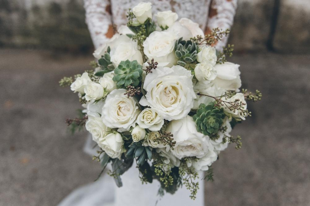 kelly alex local love skyline loft chicago, il white bridal bouquet