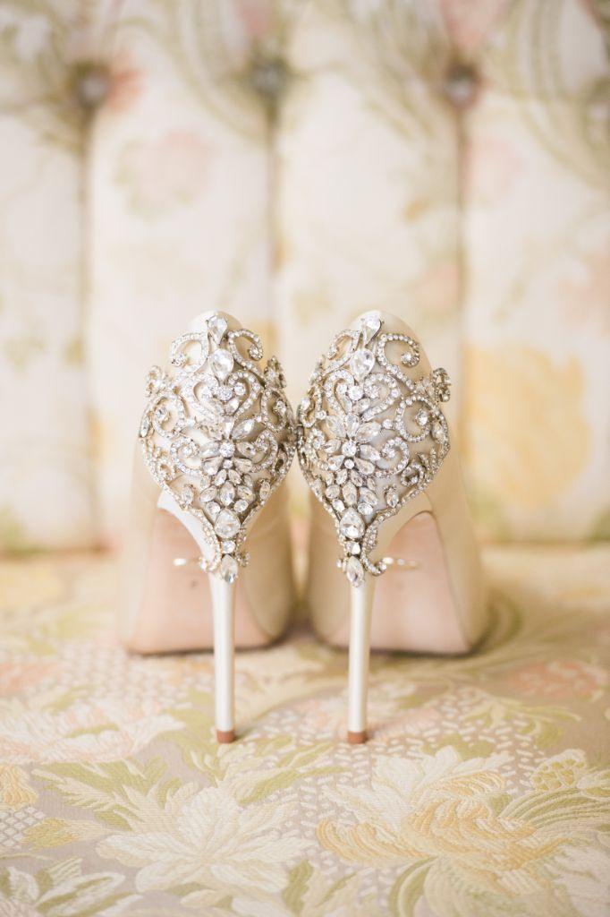 elizabeth kevin local love makray memorial golf club chicago, il bridal shoes