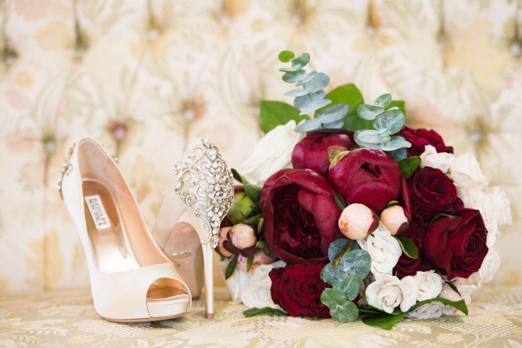 elizabeth kevin local love makray memorial golf club chicago, il bridal details