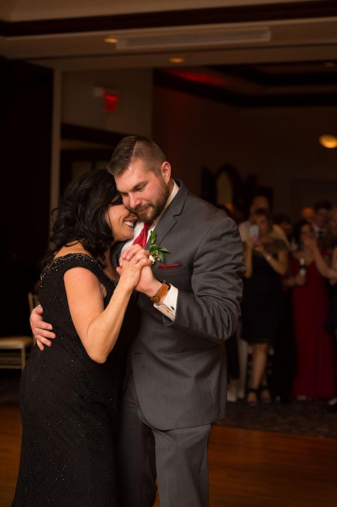 elizabeth kevin local love makray memorial golf club chicago, il mother son dance