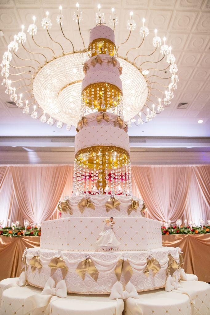 wedding cake halisa sead local love drury lane theatre chicago, il