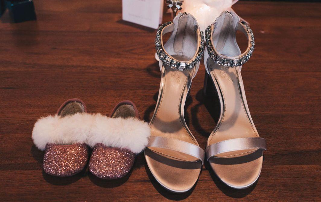 emily matt local love arrowhead golf club chicago, il wedding brides's shoes flower girl shoes