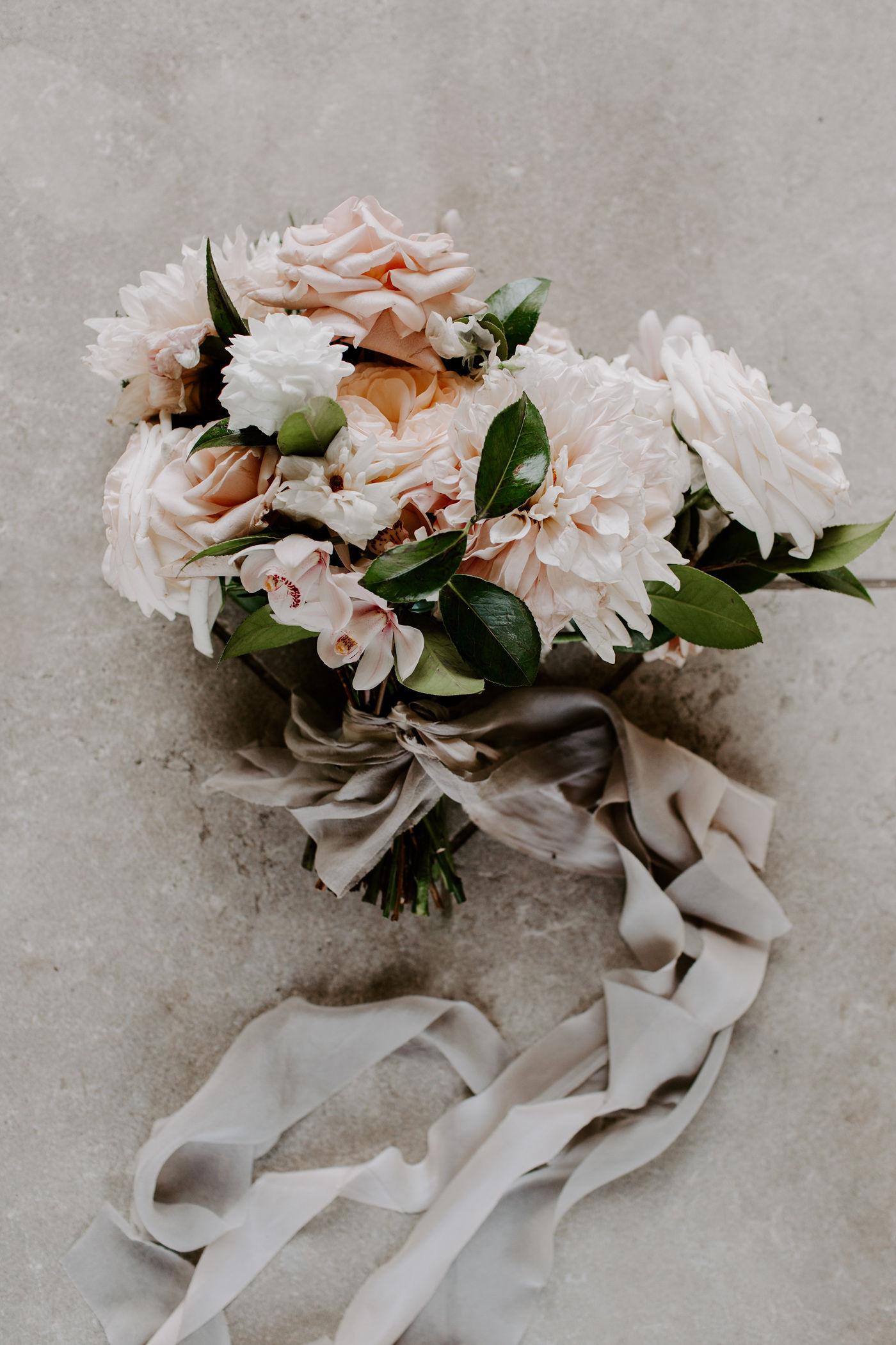european elegance | modern luxury | pink bouquet | armour house